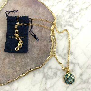 Tory Burch: Gold/Turquoise Logo Necklace